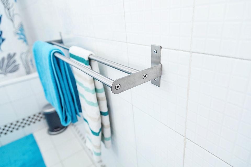Montaggio accessori bagno